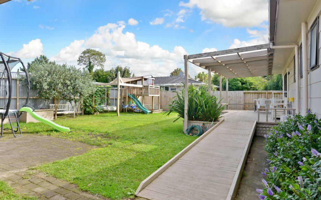 Backyard Playground on Bankwood
